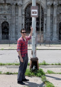 johnny-knoxville-detroit-photo-opportunity