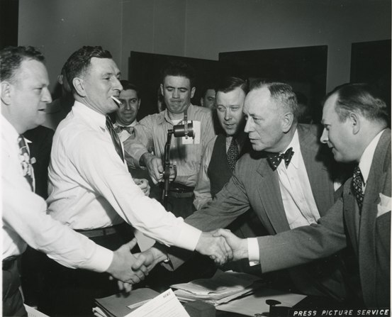 The UAW and GM bargaining teams negotiate the Treaty of Detroit, 1950 (Photo courtesy of Walter P. Reuther Library, Wayne State University)